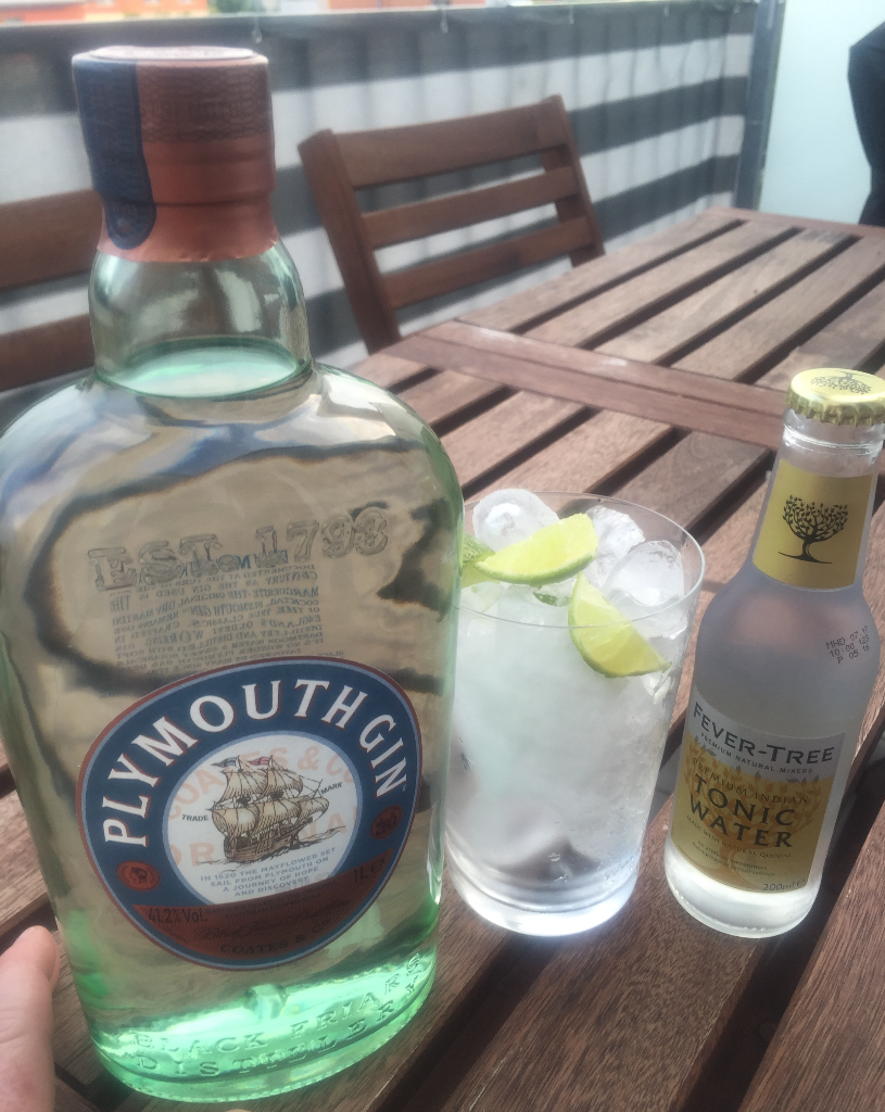 Plymouth Gin Fever Tree Limette